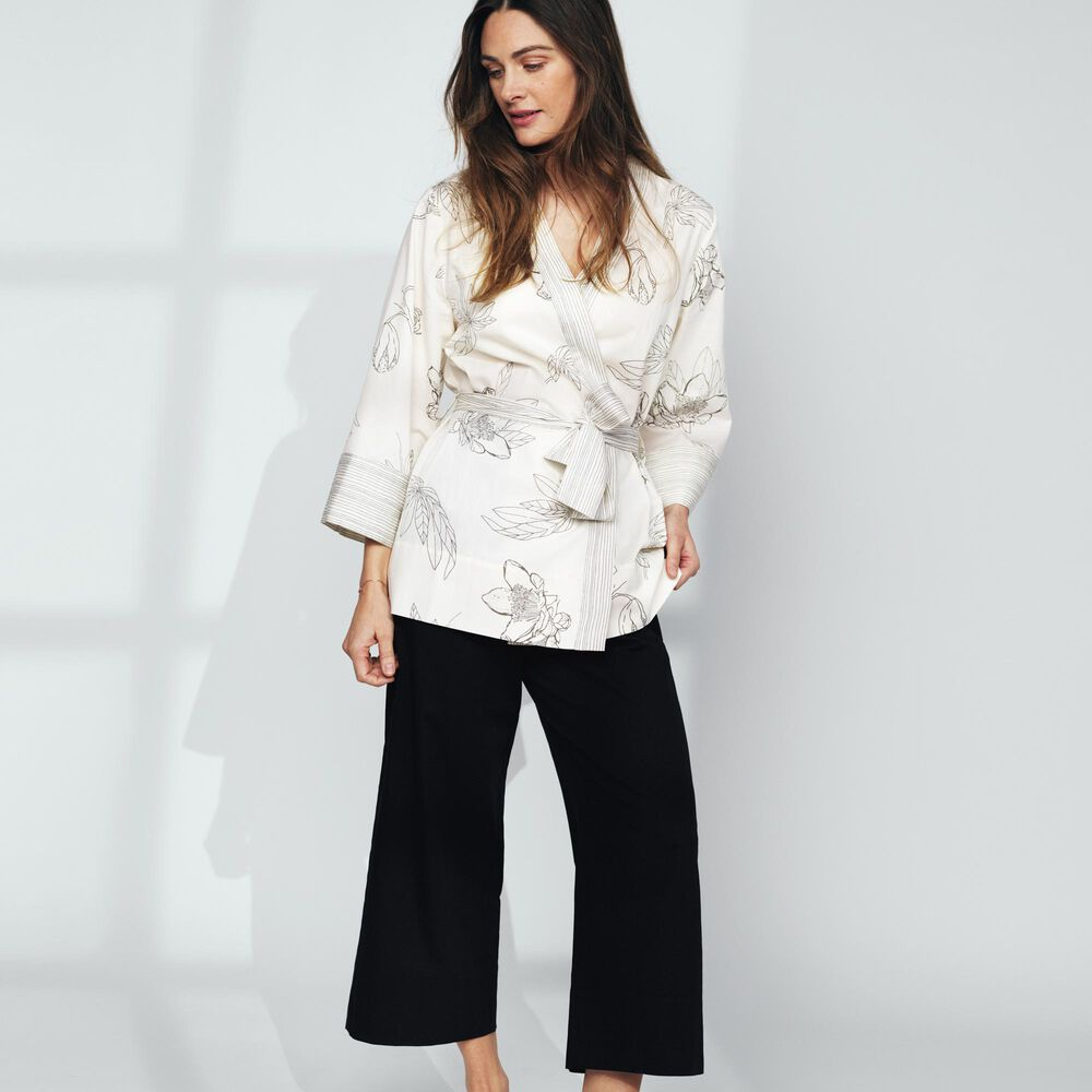 Loungewear kimono Jenny Skavlan, flowers, hi-res